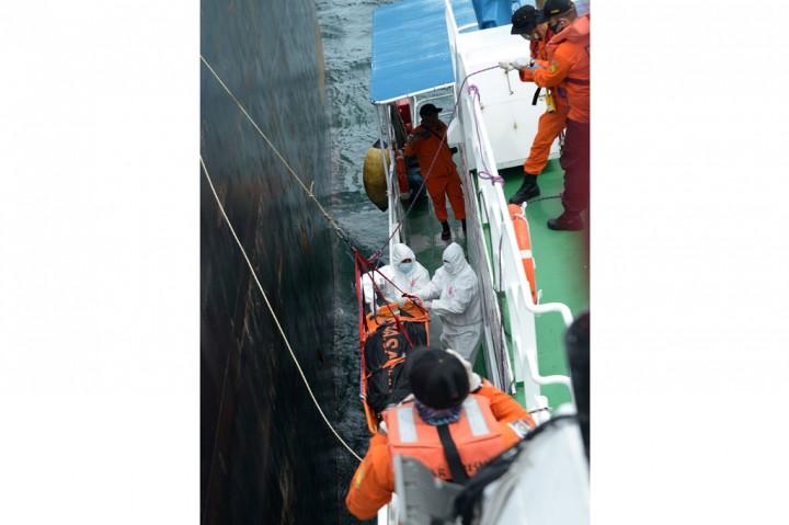 Basarnas Evakuasi Jenazah ABK Tanker di Laut Aceh