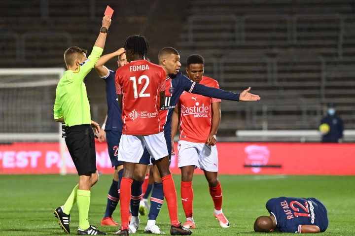 Nimes vs PSG: Brace Mbappe Bawa Les Parisiens Menang 4-0