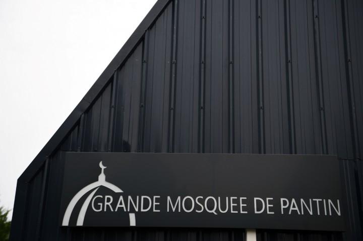 Buntut Pemenggalan Guru, Masjid di Paris Akan Ditutup