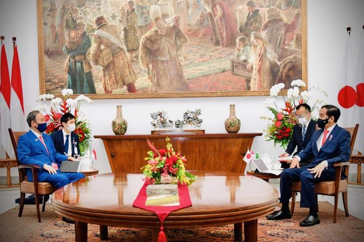 Momen Pertemuan Jokowi dan PM Jepang di Istana