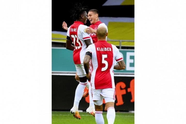 Populer Foto, Ajax Cetak Rekor Baru di Liga Belanda hingga