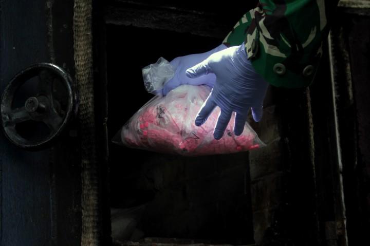 Polda Sulsel Musnahkan 14,6 Kg Sabu