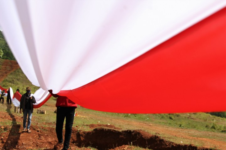Pembentangan Kain Merah Putih Sepanjang 200 M di Konawe