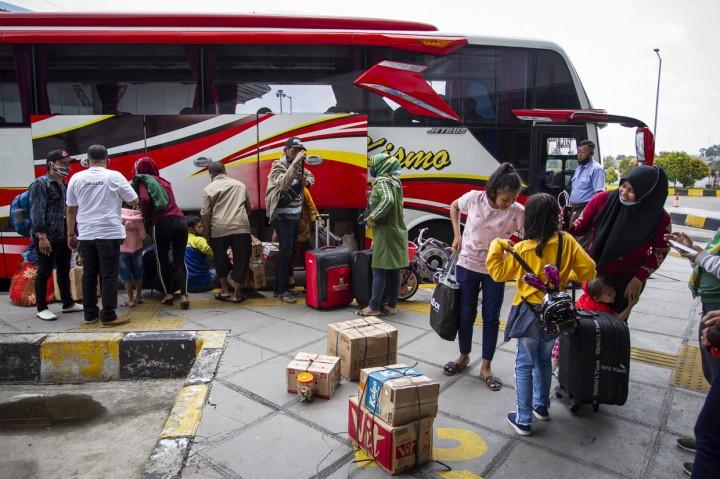 Libur Panjang, Penumpang Terminal Pulo Gebang Meningkat 20 Persen