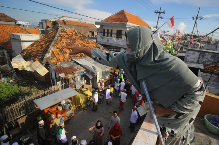 Suasana Pawai Maulid Nabi di Surabaya