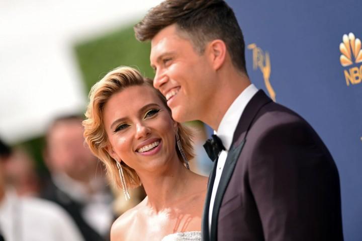 Scarlett Johansson Resmi Menikah dengan Komedian Colin Jost