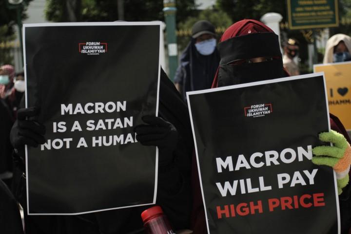 Aksi Protes Terhadap Presiden Prancis Terjadi di Berbagai Daerah