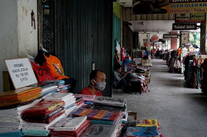 Uji Coba Semi Pedestrian Malioboro Buat Omset PKL Menurun