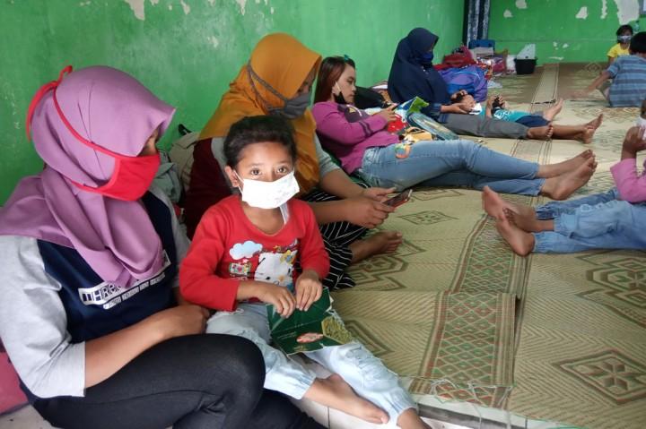 Kepala BNPB Kunjungi Pengungsi Erupsi Merapi di Balerante