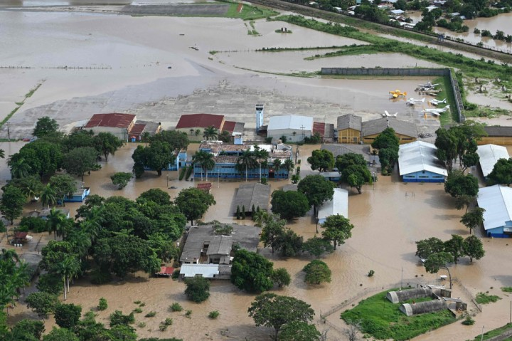Potret Kehancuran Amerika Tengah Akibat Badai Iota