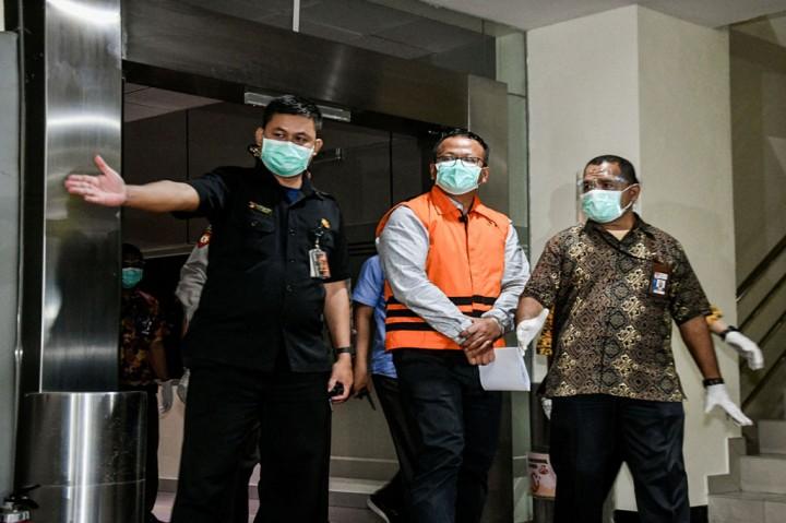 Jadi Tersangka, Edhy Prabowo Ditahan KPK