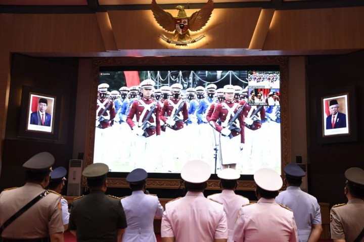 Momen Panglima TNI Wisuda 923 Prajurit dan Bhayangkara Taruna