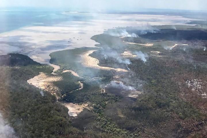 Kawasan Wisata Pulau Fraser Australia Terancam Kebakaran Hutan