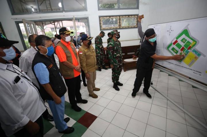 Doni Monardo Tinjau Persiapan RS Lapangan di Kota Malang
