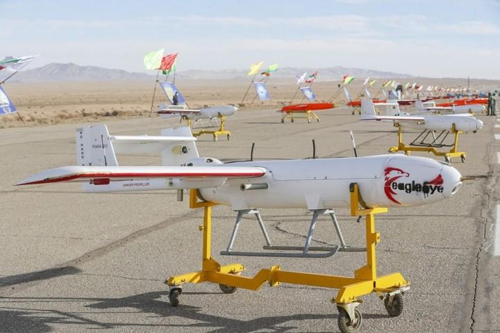 3 Foto Terpopuler: Iran Pamer Ratusan Drone hingga Korsel Kirim