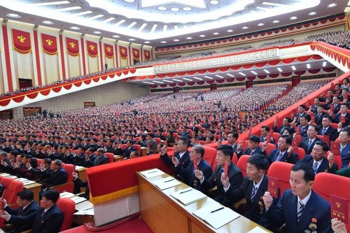3 Foto Terpopuler: Kim Jong-Un Pimpin Rapat Kongres Tanpa Masker