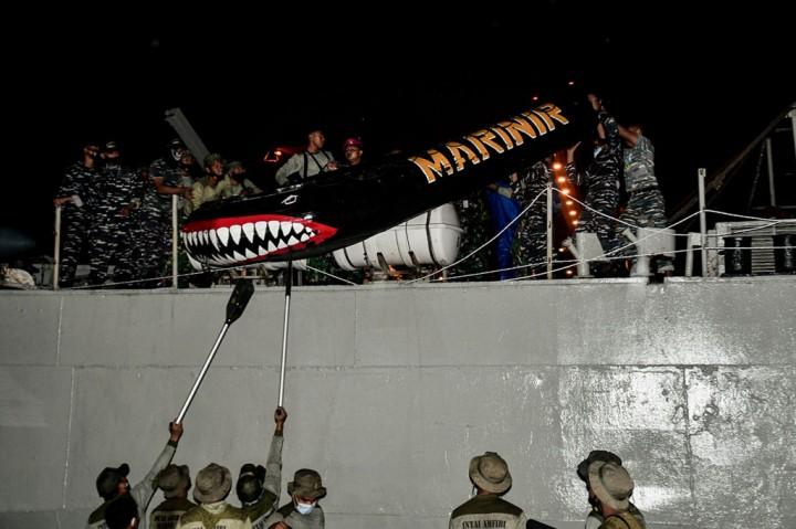3 Foto Terpopuler: Pesawat Sriwjaya Air Hilang Kontak hingga