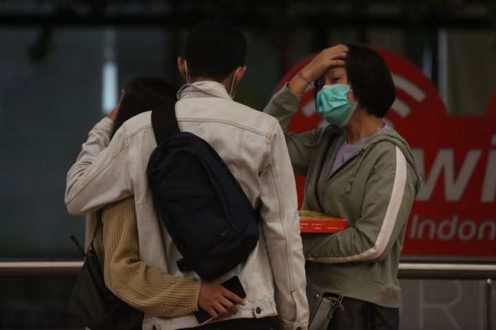Keluarga Penumpang Menanti Kabar di Crisis Center Sriwijaya Air