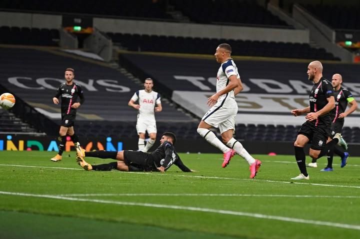 Piala FA: Hattrick Bawa Vinicius Bawa Spurs Gilas Marine 5-0