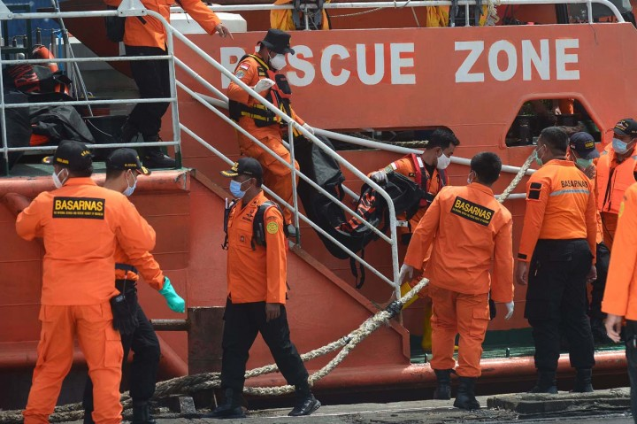Tim DVI Sudah Terima 19 Kantong Jenazah Korban Sriwijaya Air