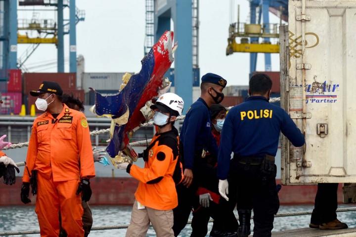 Foto: Serpihan Pesawat Sriwijaya Air Kembali Ditemukan