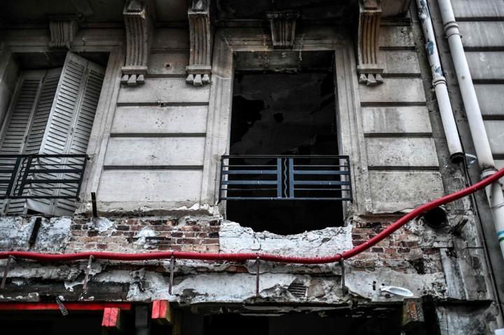 Ledakan Dahsyat Guncang Toko Roti Prancis, 2 Petugas Pemadam