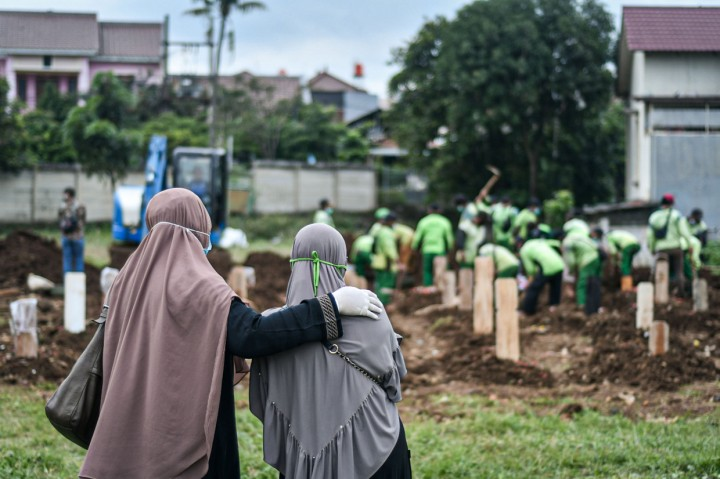 TPU Srengseng Sawah Mulai Dipakai untuk Pemakaman Pasien Covid-19