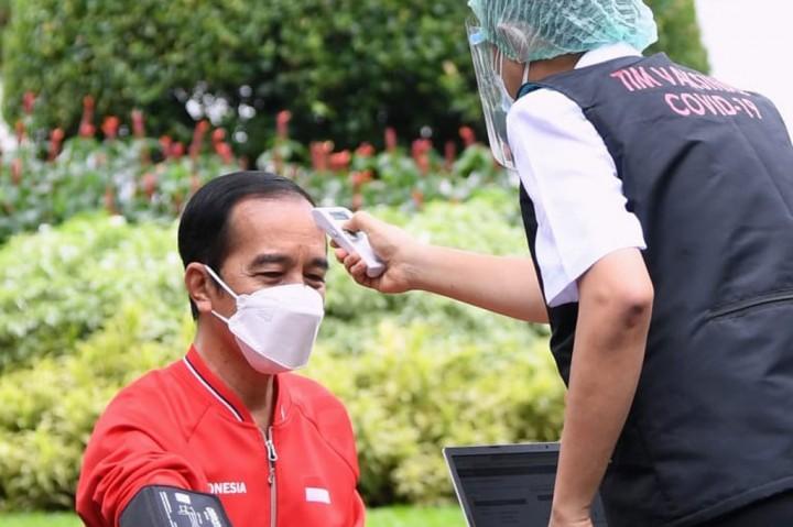 Foto: Jokowi Kembali Divaksin Covid-19 Sinovac