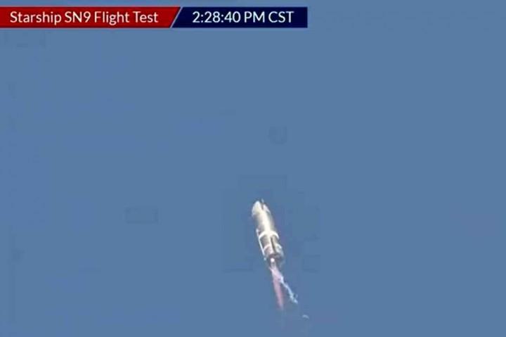 Lagi, Roket SpaceX Meledak Saat akan Mendarat