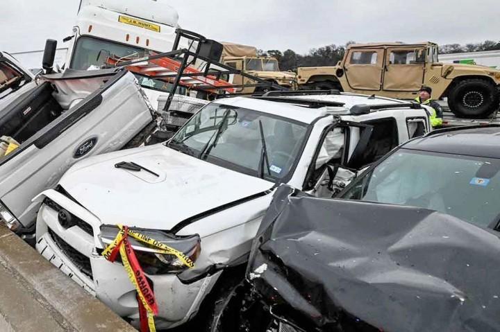 3 Foto Terpopuler: Tabrakan Beruntun Ratusan Mobil di Texas