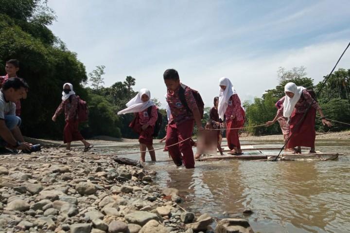 Warga Desa Siron Gantungkan Harapan di Pembangunan Jembatan
