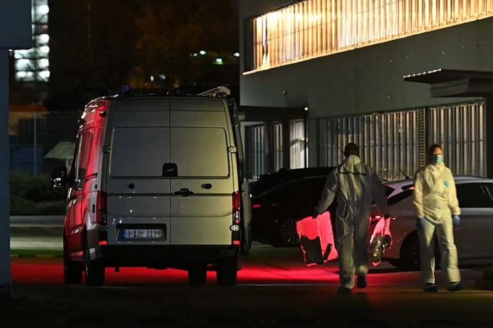 Tiga Orang Terluka akibat Ledakan Bom Surat di Kantor Pusat