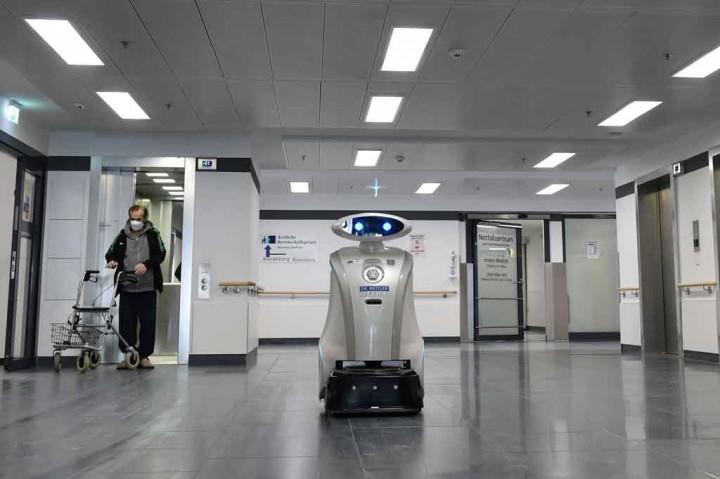 Melihat Robot Cerewet 'Franzi' Hibur Pasien RS di Munich