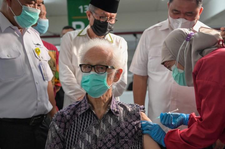 Ribuan Pemuka Agama Terima Vaksinasi Covid-19 di Masjid Istiqlal