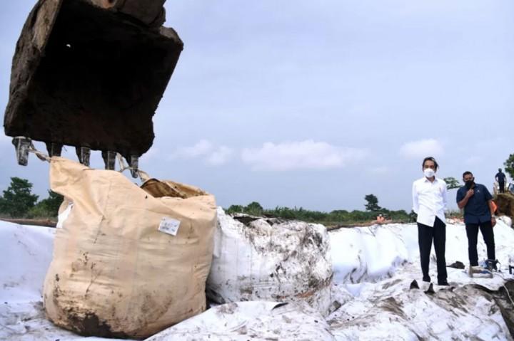 Jokowi: Perbaikan Tanggul Citarum Harus Selesai Dua Hari