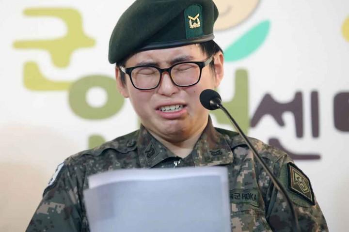 Dipecat, Tentara Transgender Korea Selatan Meninggal Bunuh Diri
