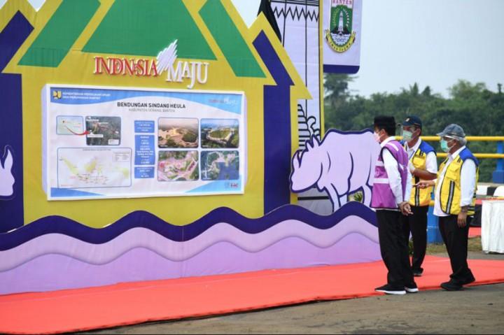 Momen Jokowi Resmikan Bendungan Sindangheula di Serang