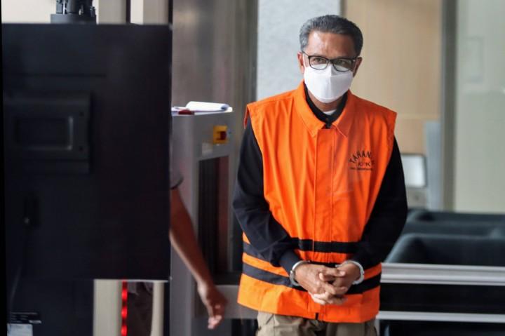 Nurdin Abdullah Jalani Pemeriksaan Perdana Usai Ditahan