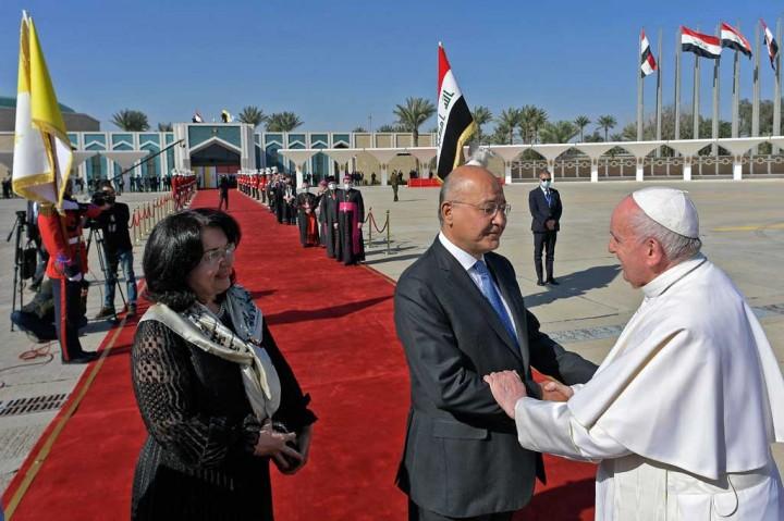 Paus Akhiri Kunjungan Bersejarah di Irak