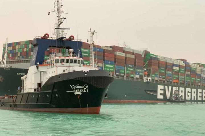Duh, Kapal Kontainer Raksasa Blokade Terusan Suez