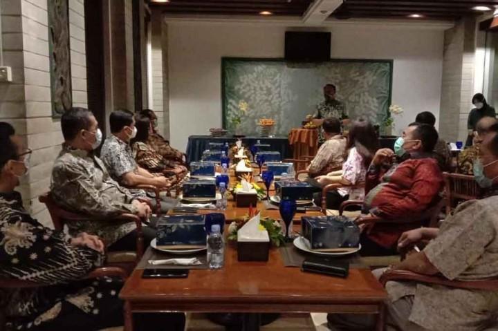 Kepala RSPAD Garut Subroto Silaturahmi dengan Media Hotel