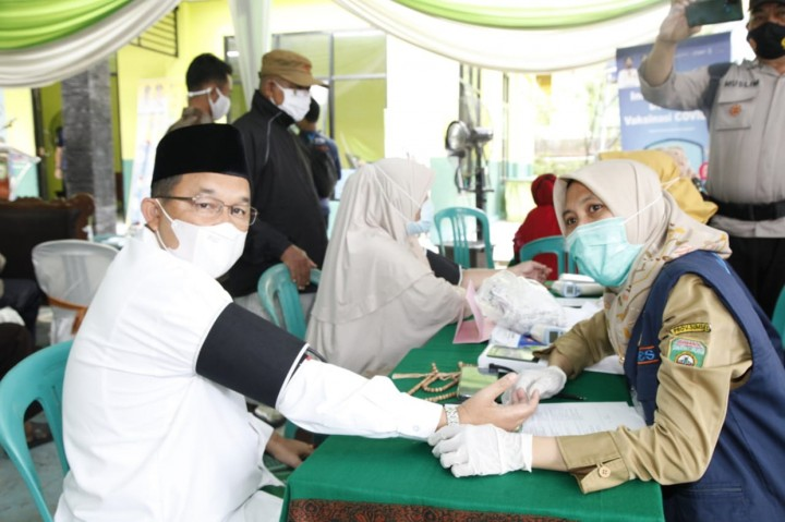 8.320 Pengasuh Ponpes di Sumsel Mulai Jalani Vaksinasi Covid-19