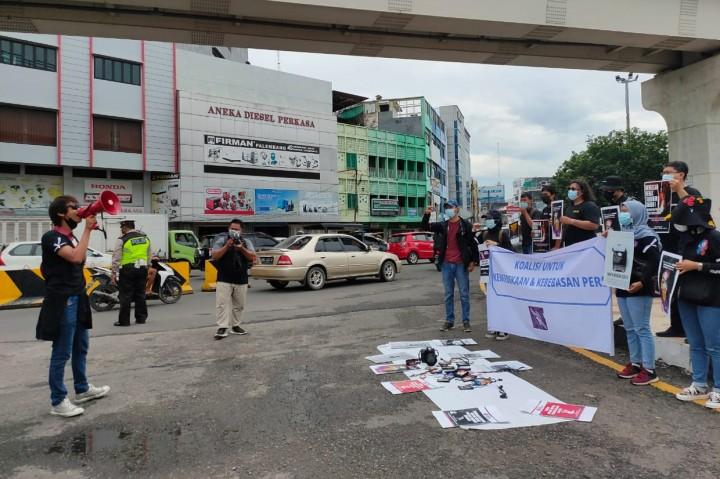 Aksi Awak Media di Palembang Kecam Kekerasan Terhadap Jurnalis