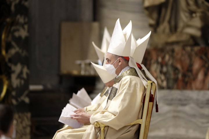 Foto: Paus Fransiskus Pimpin Misa Krisma di Vatikan