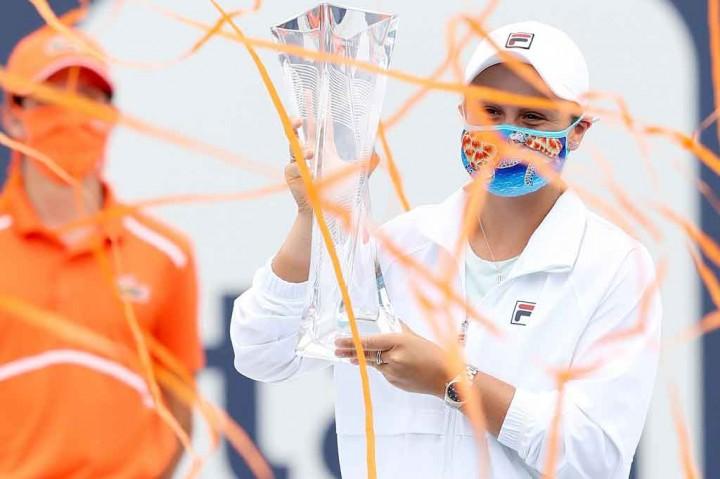 Menang WO, Barty Pertahankan Gelar Miami Open