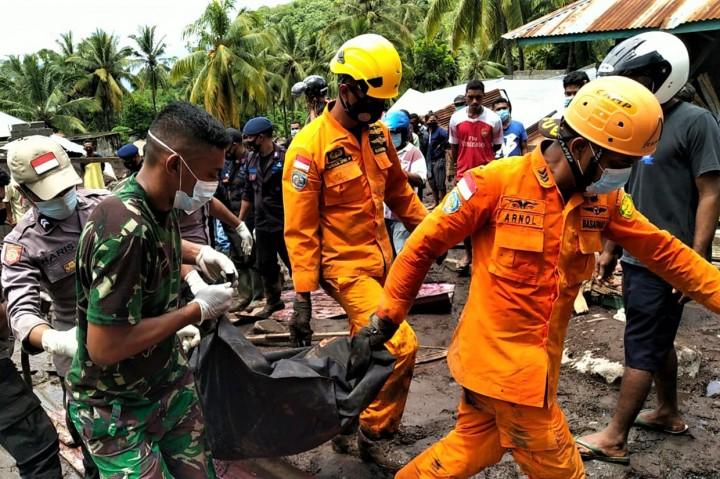 Tim SAR Kembali Temukan 8 Jenazah Korban Banjir Bandang Adonara