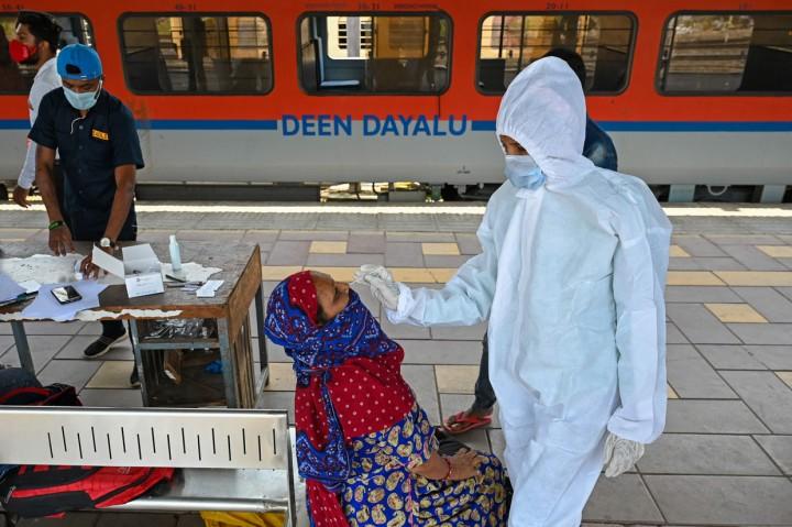 Duh, Kasus Baru Covid-19 di India Tembus 200 Ribu per Hari