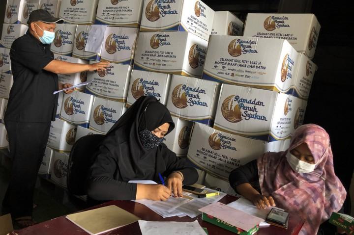 Media Group Bagikan 3.750 Bingkisan Lebaran untuk Karyawan
