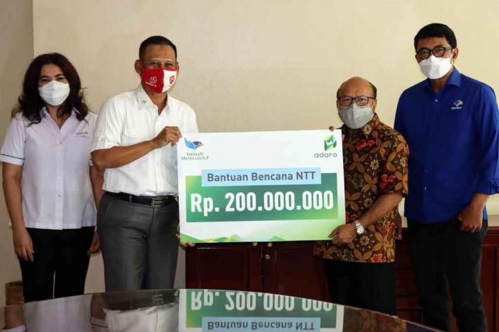 Adaro Indonesia Serahkan Donasi untuk Korban Bencana NTT