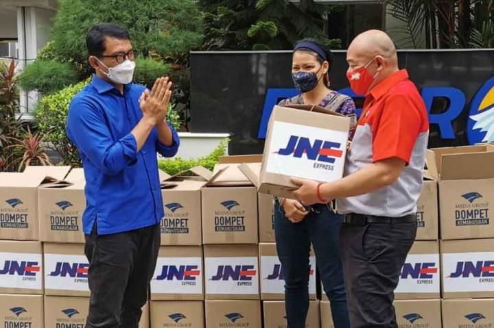 DKMG Salurkan Paket Sembako untuk Keluarga Kru Nanggala